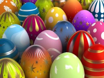 Udvari tojásokat rejt