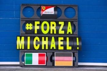 Fokozatosan ébresztik Schumachert