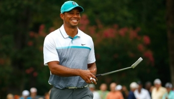 Videó: Tiger Woods is back!